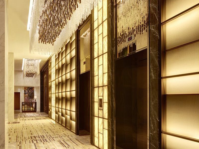 The Application Of Stainless Steel Products In Hotel Decoration